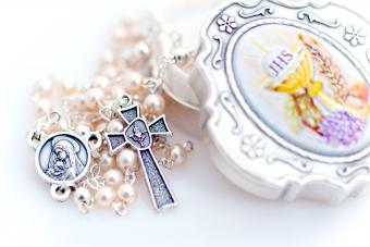 pearl rosary for June