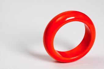 Red vintage bakelite bracelet