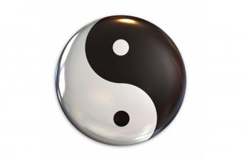 13 Yin Yang Jewelry Pieces Filled With Meaning