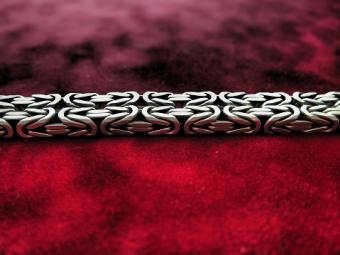 Birdcage jewelry chain
