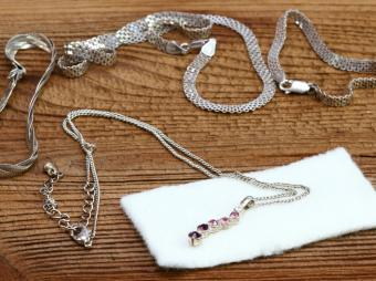 How to Clean Sterling Silver Necklaces