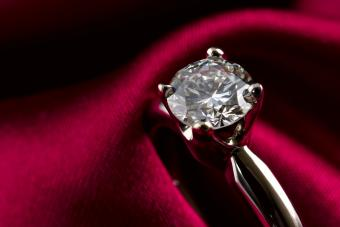 engagement solitaire diamond ring