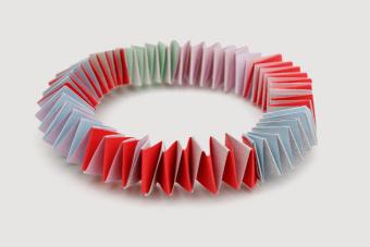 How to Make Starburst Wrapper Bracelets: 11 DIY Steps
