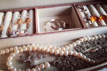 Expert Tips for Storing Silver Jewelry from Tarnish Tamer