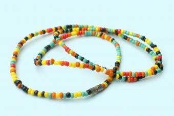 https://cf.ltkcdn.net/jewelry/images/slide/273566-850x566-fashion-jewelry-trends-beads.jpg
