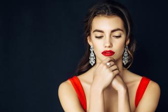 https://cf.ltkcdn.net/jewelry/images/slide/273571-850x566-fashion-jewelry-trends-sparks.jpg