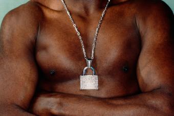 https://cf.ltkcdn.net/jewelry/images/slide/273579-850x566-fashion-jewelry-trends-tools.jpg