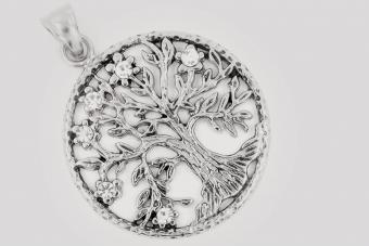 Symbol Tree of Life Pendant