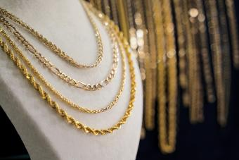 Jewelry Chain Patterns: 8 Unique Styles to Choose From