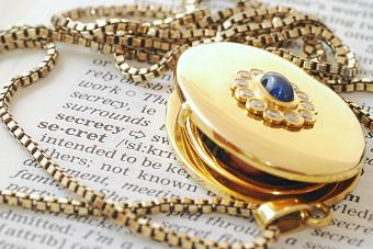 medallion on word secret in dictionary