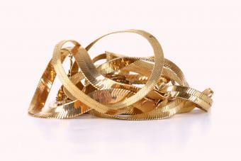 Golden herringbone chain