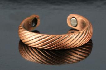 Therapeutic copper and magnetic ring