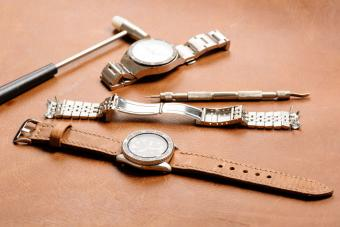 How to Adjust a Watch Band: Steps for Band Types
