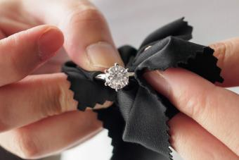 How to Clean Cubic Zirconia Rings: 5 Methods for Shine