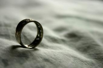 20 Inspirational Rings to Empower Your Beliefs