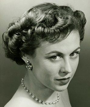 Vintage Inspiration with 50s Faux Pearl Jewelry