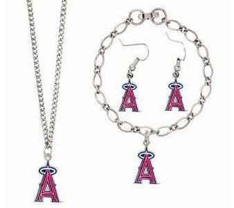 https://cf.ltkcdn.net/jewelry/images/slide/92524-338x300-baseballjewelry11.jpg