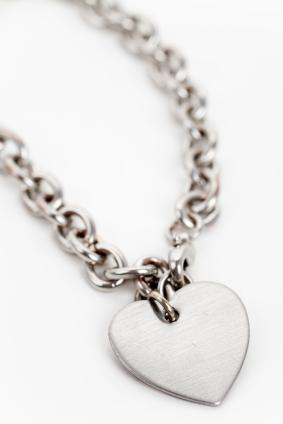 silver boxed haak sterling tiny annie heart necklace