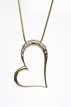 High polish heart necklace