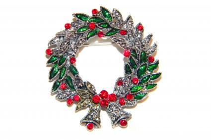 Christmas Wreath Pin