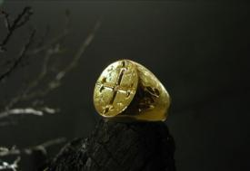 You MacBeth gold insignia ring