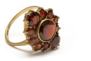 Discount Garnet Rings and Jewelry