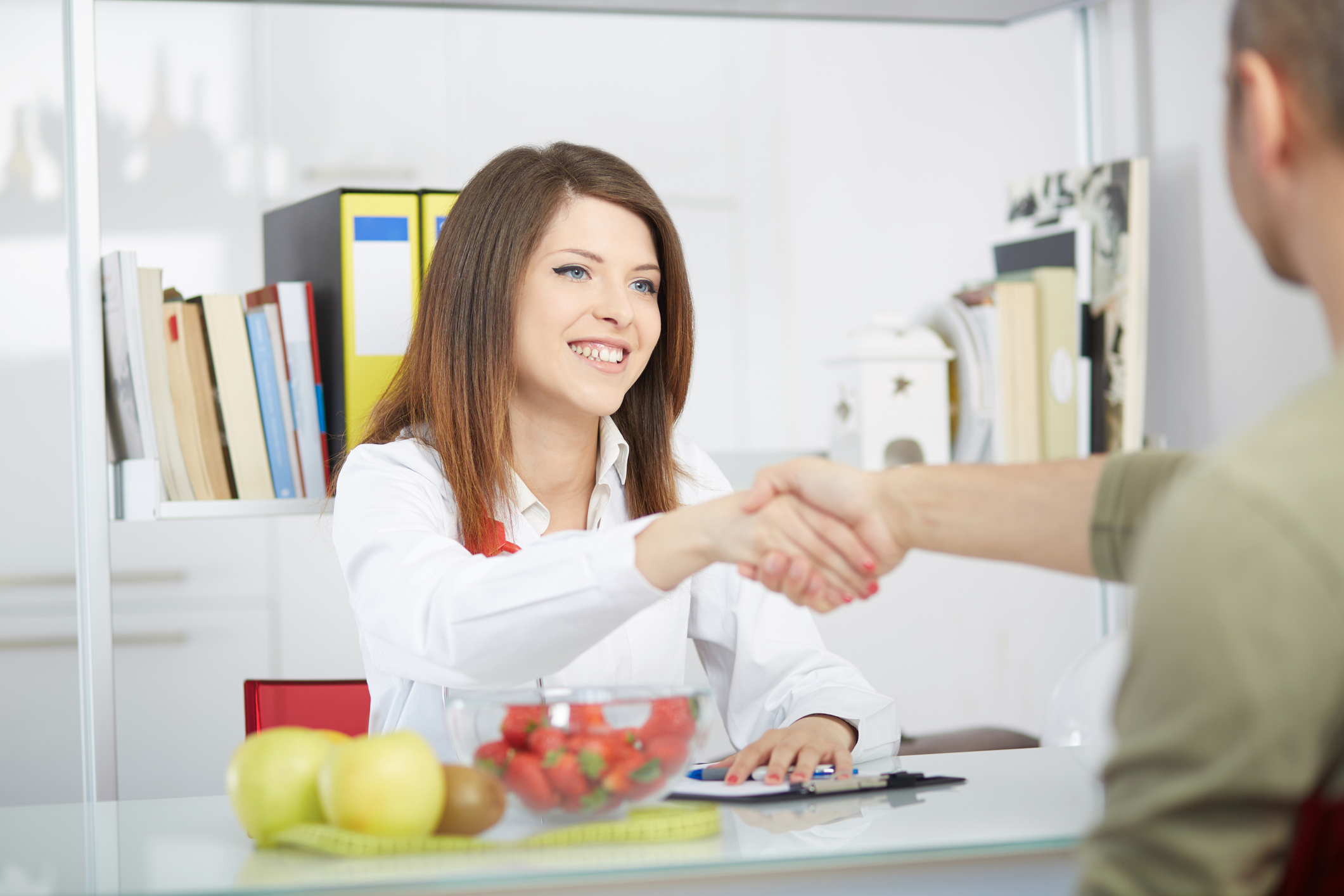 How to Become a Nutritionist | LoveToKnow