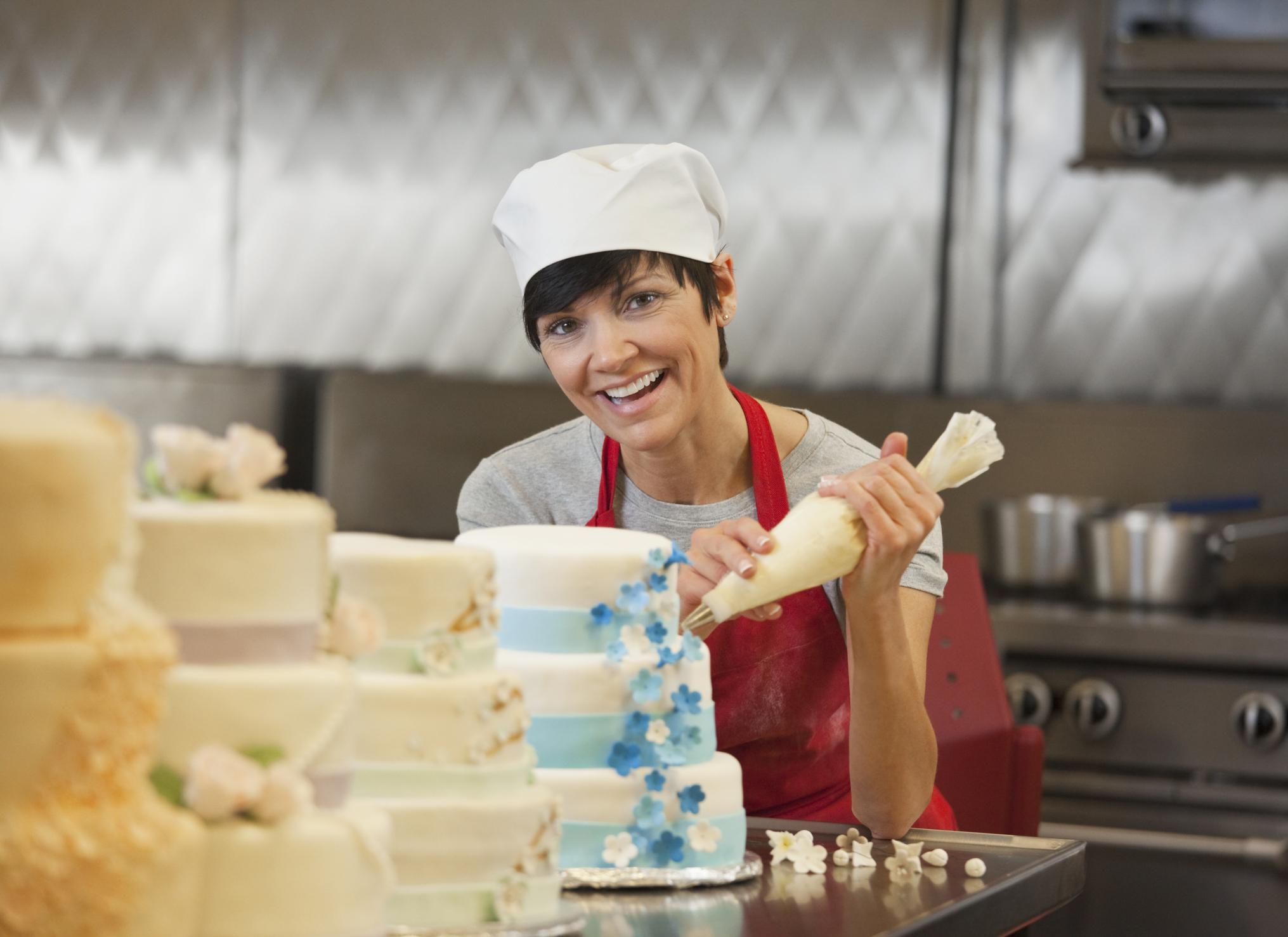 Cake Decorating Resume Tips  LoveToKnow