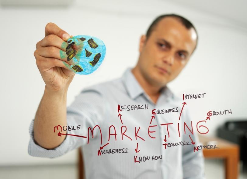 https://cf.ltkcdn.net/jobs/images/slide/131113-812x591r1-advertising_copywriter.JPG