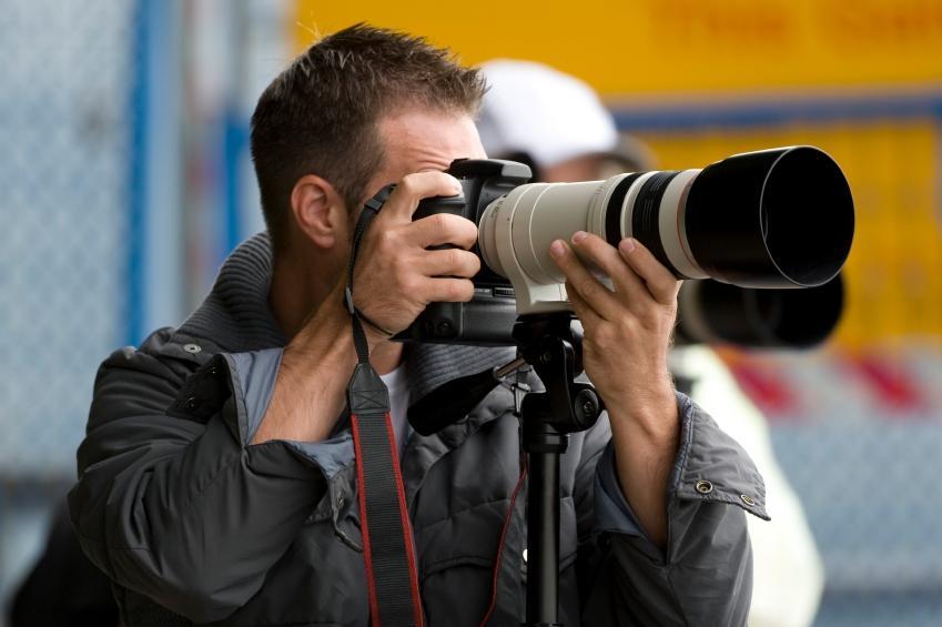 https://cf.ltkcdn.net/jobs/images/slide/131118-849x565r1-photography_career.JPG
