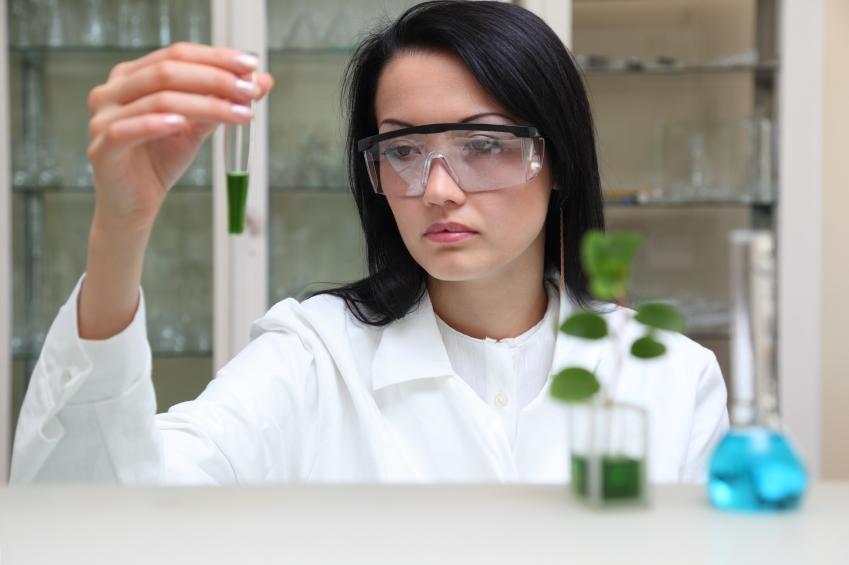 https://cf.ltkcdn.net/jobs/images/slide/137521-849x565r1-environmental_scientist.JPG