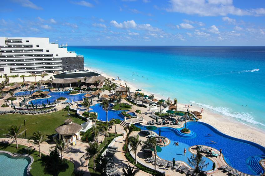 https://cf.ltkcdn.net/jobs/images/slide/33294-849x565-resort_hotel.jpg