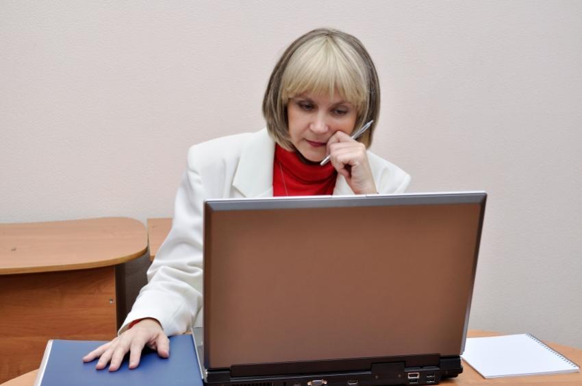 https://cf.ltkcdn.net/jobs/images/slide/33451-850x563-professional_writer.JPG
