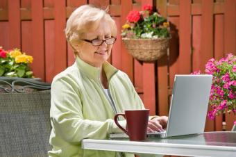 https://cf.ltkcdn.net/jobs/images/slide/129470-849x565r1-senior_freelance_writer.JPG