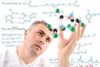 https://cf.ltkcdn.net/jobs/images/slide/131371-850x565r1-chemist_at_work.JPG