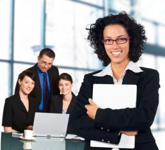 https://cf.ltkcdn.net/jobs/images/slide/131718-726x661r1-woman-ceo.jpg