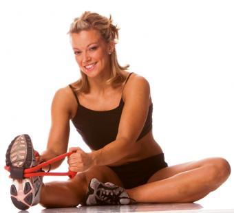 https://cf.ltkcdn.net/jobs/images/slide/131720-725x662r1-woman-fitness-instructor.jpg
