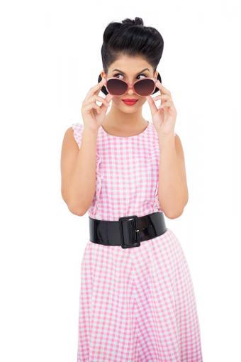 https://cf.ltkcdn.net/jobs/images/slide/189915-567x850-woman-with-pink-sunglasses.jpg