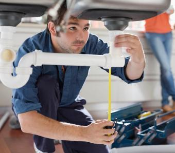 https://cf.ltkcdn.net/jobs/images/slide/253043-850x744-10-list-apprenticeships.jpg