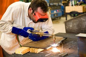 https://cf.ltkcdn.net/jobs/images/slide/33231-849x565-welding.jpg