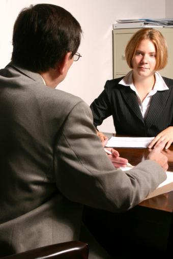 https://cf.ltkcdn.net/jobs/images/slide/33288-566x848-eye-contact-%282%29.jpg