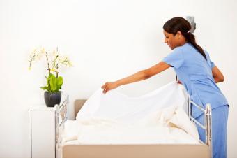 https://cf.ltkcdn.net/jobs/images/slide/33448-849x565-hospital_cleaning.JPG
