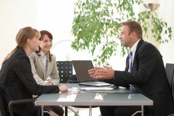 https://cf.ltkcdn.net/jobs/images/slide/33466-850x565-legal_work.JPG
