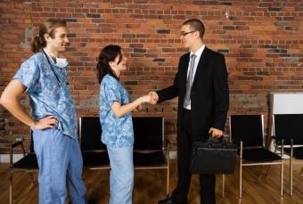 https://cf.ltkcdn.net/jobs/images/slide/33476-843x569-pharma_sales.JPG
