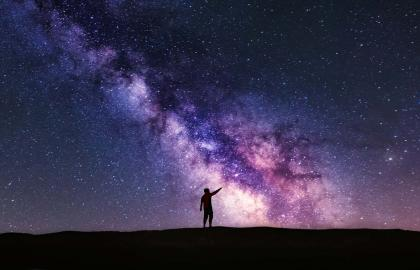Pointing up the Milky Way galaxy