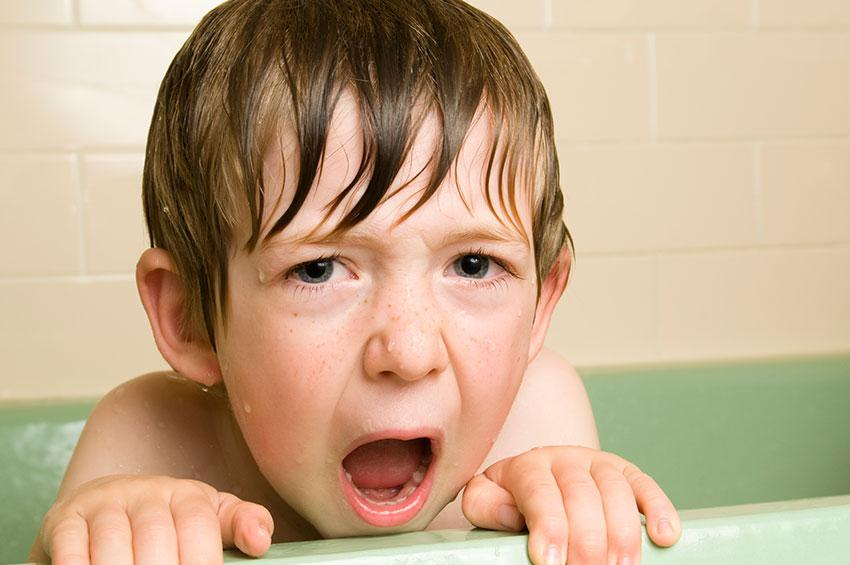 https://cf.ltkcdn.net/kids/images/slide/191361-850x565-boy-in-bathtub.jpg