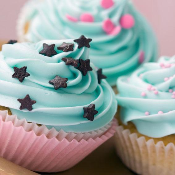https://cf.ltkcdn.net/kids/images/slide/241240-566x566-kids-cupcakes.jpg