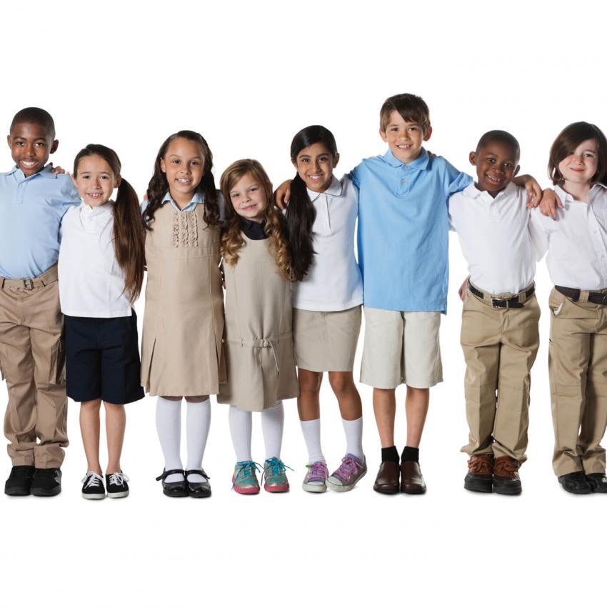 https://cf.ltkcdn.net/kids/images/slide/249328-850x851-11-school-uniform-gallery.jpg