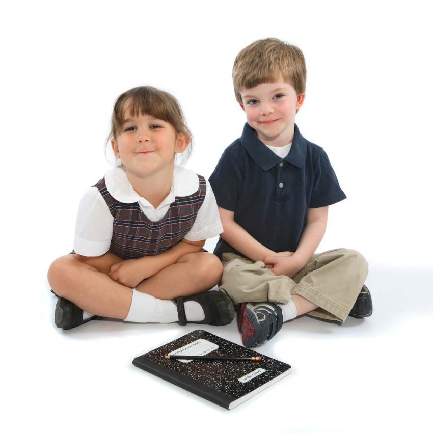 https://cf.ltkcdn.net/kids/images/slide/249335-850x850-3-school-uniform-gallery-kids.jpg