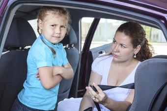 https://cf.ltkcdn.net/kids/images/slide/191356-850x567-child-refusing-to-put-seatbelt-on.jpg